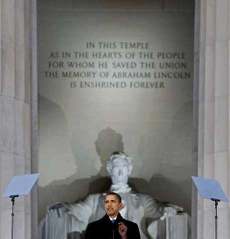 obama-lincoln-memorial